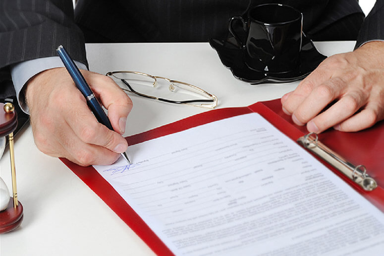 Как взыскать долг по договору оказания услуг